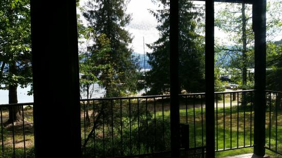 Hill's Resort: nice view from porch
