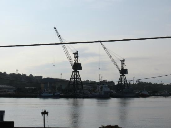 Monkstown, Irland: Aussicht vom Zimmer auf den Hafen