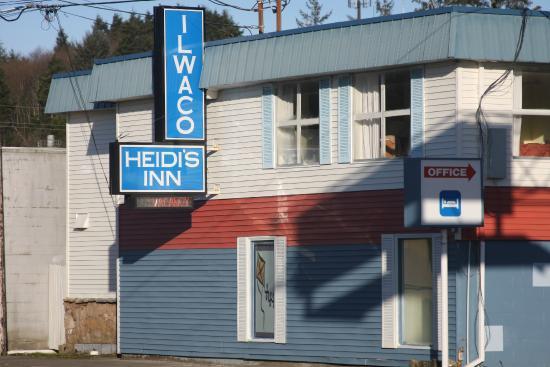 Ilwaco, WA: Exterior Street Side