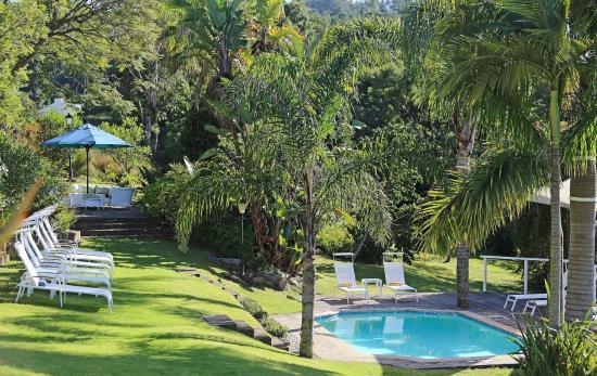 Falcons View Manor : Garden