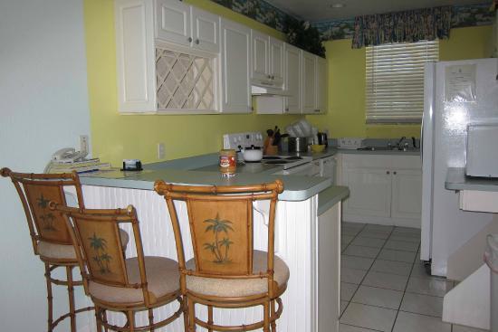 Conch Club Condominiums: Kitchen