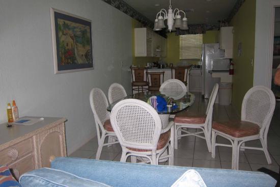 Conch Club Condominiums: Kitchen/Dining