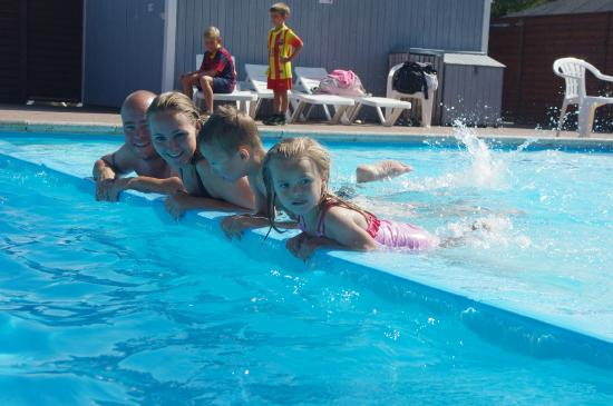 Tornby Strand Camping: Pool outdoor and indoor