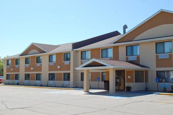 Quality Inn West Acres: Exterior