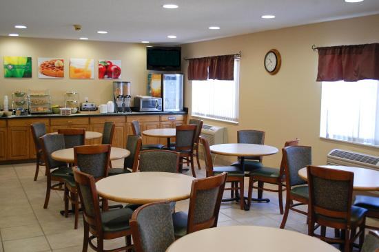Quality Inn West Acres: Breakfast