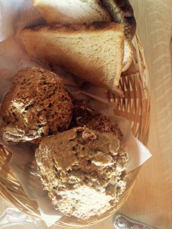 Ard Einne Inn: Clodaghs homemade scones
