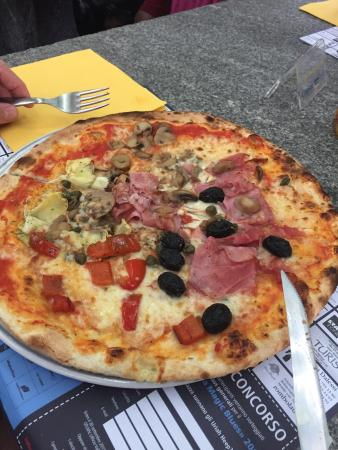 Cavergno, Switzerland: Super Pizza...
