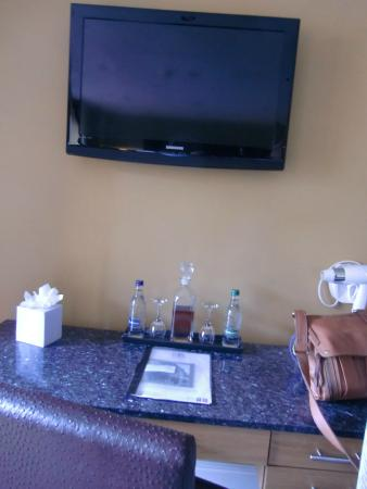 Redesdale Arms Hotel: In room amenities include sherry and bottles of water
