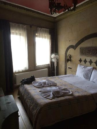 Hotel Ariarathes: standard room 103