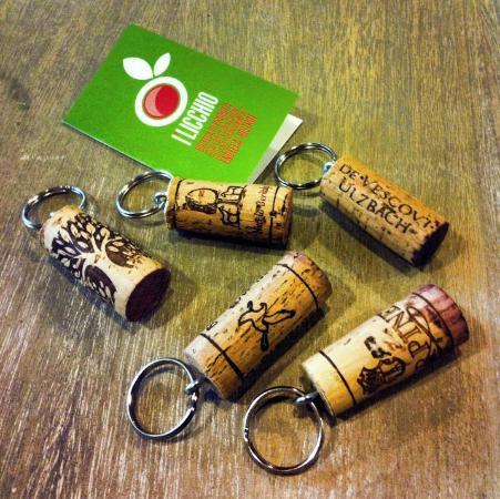 Montespertoli, Itália: Cork gadgets for our customers