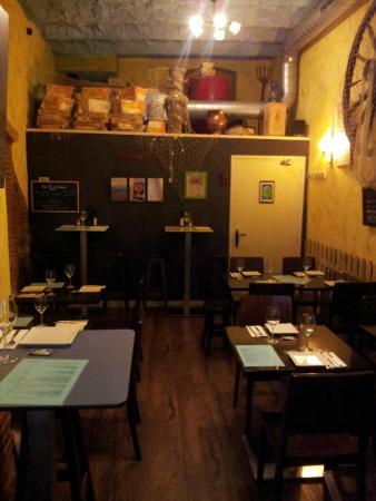 Tasca Galega ESconxuro: Salle du restaurant climatisé.