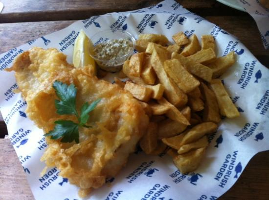 Windrush Garden Cafe & FIsh and Chip Takeaway : Cod 'n' chips