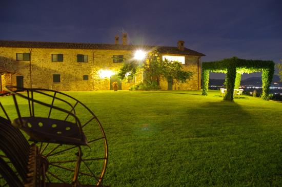Azienda Agraria Montelujano: notturna sul B&B