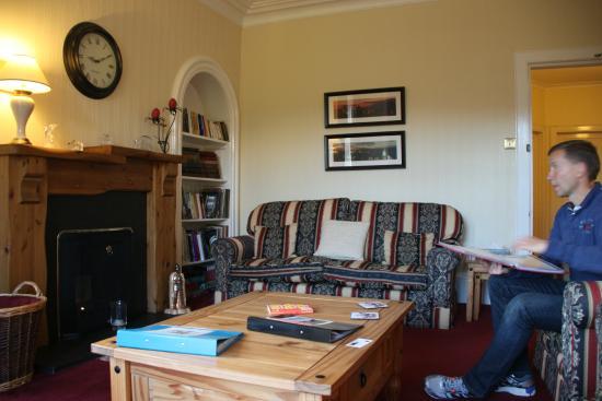 Tir Aluinn Guest House : Salon