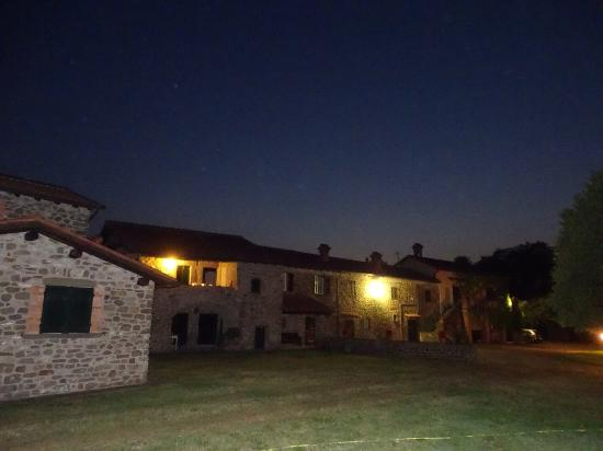 Coriana Apartments & Villas