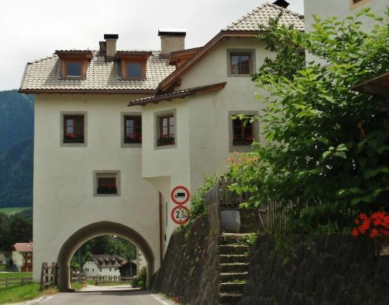 San Lorenzo di Sebato, อิตาลี: Starda del borgo
