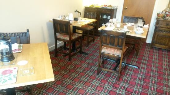 Morvich B&B : Breakfast room. Lovely carpet!