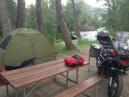 Perry's RV Park and Campground: Tent site next to the river