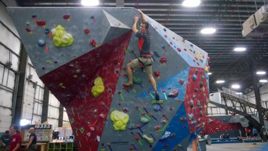 Hoosier Heights Indianapolis: Climbing partner Nathen conquering all sides of the stand alone Boulder !
