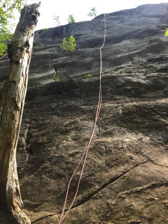 Rock and River Lodge: Rock climbing