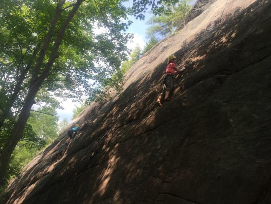Rock and River Lodge: Fun climbing