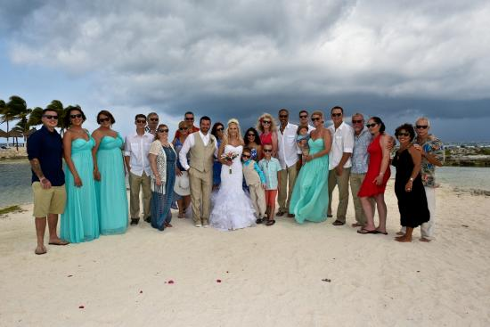 Wedding party photo bombing the couple with sunglasses - Catalonia ...