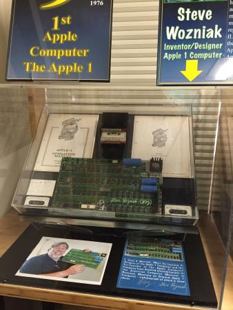 American Computer Museum: Apple 1 and Apple 2 !