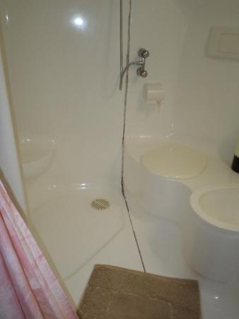 Mon Toc : Das kleine Badezimmer