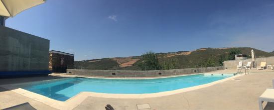 Piscina no exterior da quinta paisagem da quinta vista de - Jacuzzi piscina exterior ...