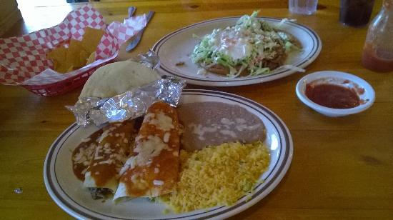 Haysville, KS: Monterrey Salad and Choose 3 sampler