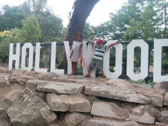 Hollywood paris picture of jardin d 39 acclimatation paris for Jardin d acclimatation