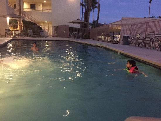 Desert Isle Pool 3 1 2 Feet 5 Feet Deep 6am 11pm