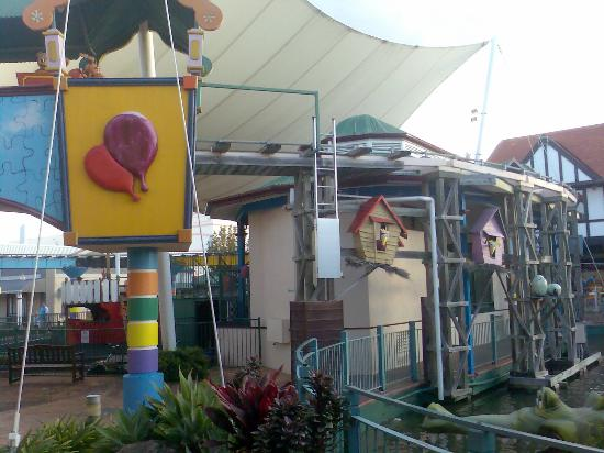 the playground picture of pacific fair shopping centre. Black Bedroom Furniture Sets. Home Design Ideas