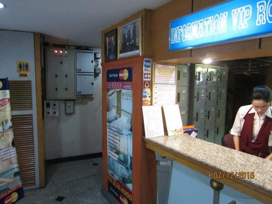 Bavana Hotel: Reception Desk