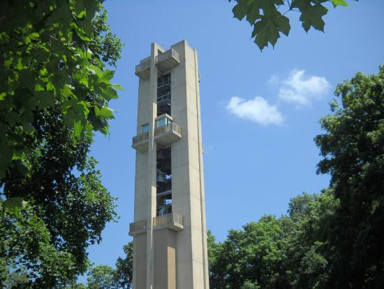 Washington Park Botanical Gardens : Rees Memorial Carillon, one of world's largest