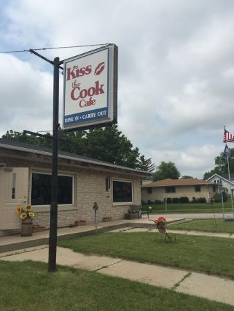 Kiss The Cook Cafe': New location
