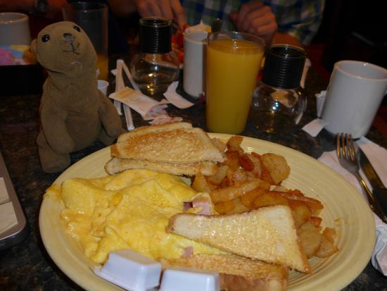 Ed's Steakhouse : ham and cheese omelette at Ed's