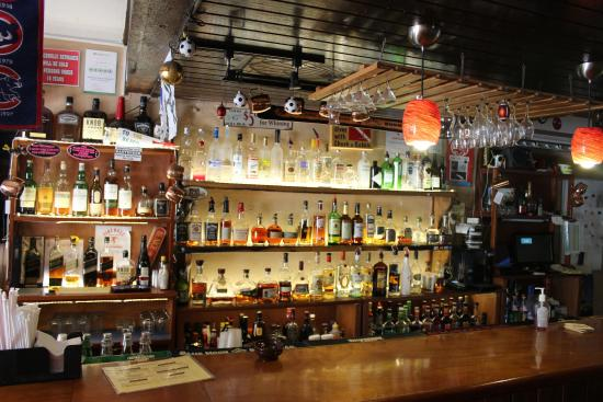 Lola's Pub & Grill: Can't go wrong with this selection
