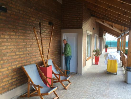 La Adela, Argentina: acceso a las habitaciones