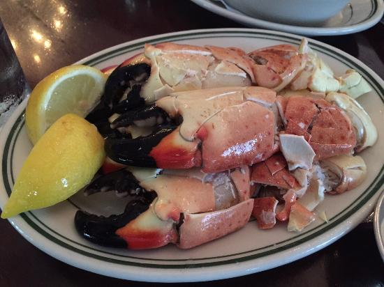 Joe's Seafood, Prime Steak & Stone Crab: Attentive staff and great crab cake, steak and crab. Overall very satisfied to have eaten there.