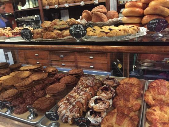 Simple Simon's: Assorted Pastries