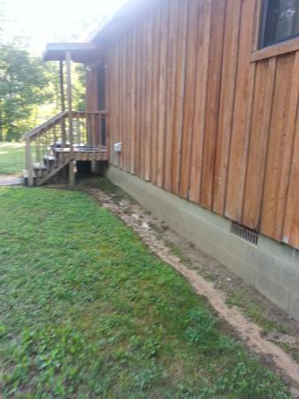 Cramer's Creekside Cabins : Back door