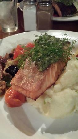 Clancy's Irish Bar & Restaurant: GF Pesto Salmon and Mash