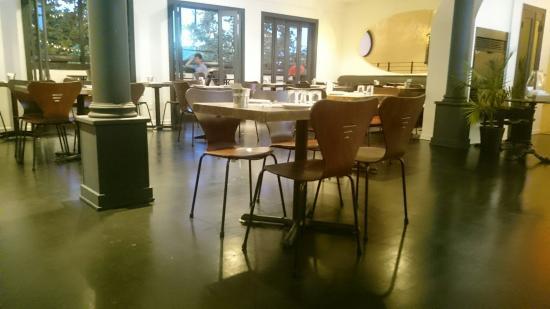 DeaFined Restaurant