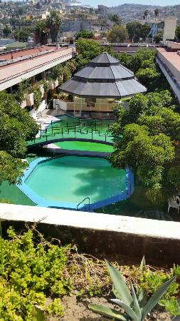 Fiesta Tijuana Hotel: The pools not clean is green wather! !!