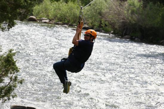 Gallatin Gateway, MT: Ziplining over the Gallatin River