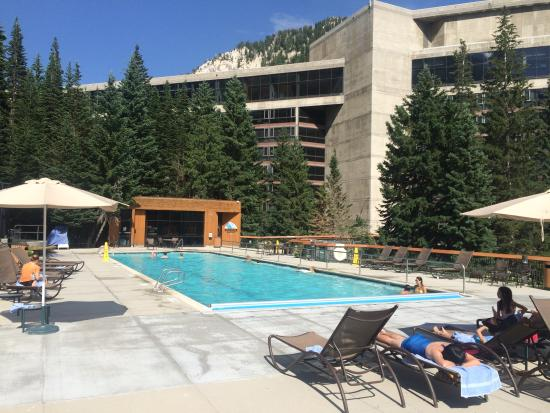 The Cliff Lodge & Spa: pool deck, view toward hotel