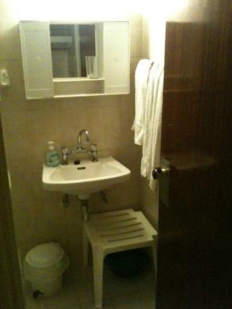 Montes Apartments & Studios: bagno