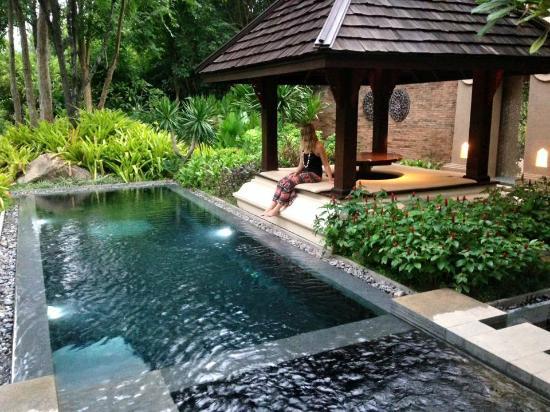 View of the pool - Bilde av Four Seasons Resort …