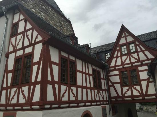 Grafenschloss-Jugendherberge Jugendgästehaus Diez: Inside the courtyard